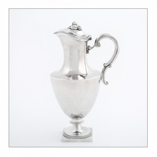 Louis XVI - Travel ewer in solid silver by L.-J. MILLERAUD-BOUTY, Paris, 18th century
