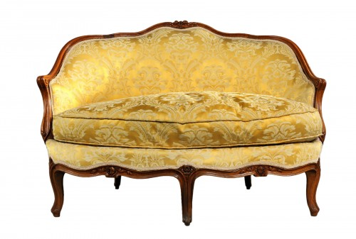 French Louis XV walnut Corbeille Sofa
