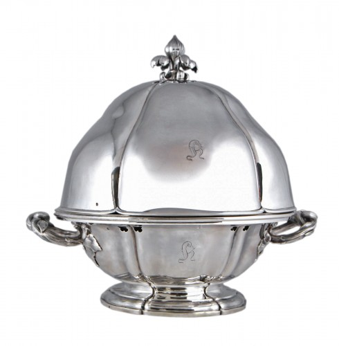 AUCOC AÎNÉ - Chafing dish and its cover in solid silver, Paris 1839-1856