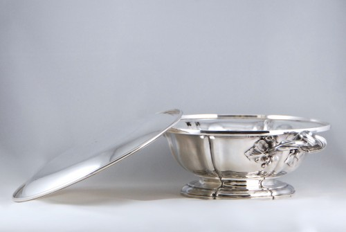 Antiquités - AUCOC AÎNÉ - Chafing dish and its cover in solid silver, Paris 1839-1856