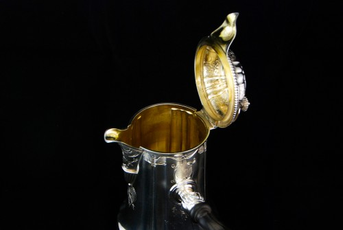 Antiquités - CARDEILHAC, chocolate pot in solid silver and vermeil