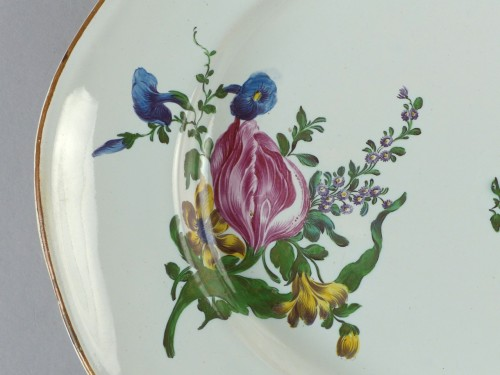Porcelain & Faience  - Strasbourg faience display dish, Hannong 18th century