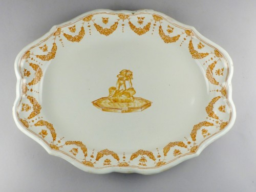 18th century - Moustiers faience platter, 18th century
