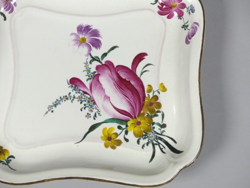 Pair of square faience dishes, Strasbourg Hannong 18th century - Louis XV