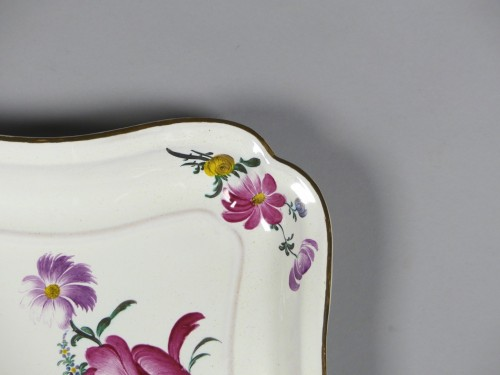 Louis XV - Pair of square faience dishes, Strasbourg Hannong 18th century