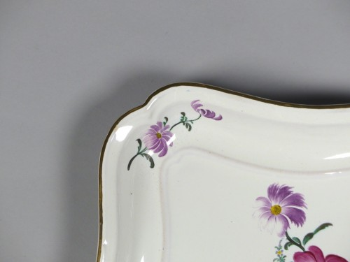 Antiquités - Pair of square faience dishes, Strasbourg Hannong 18th century