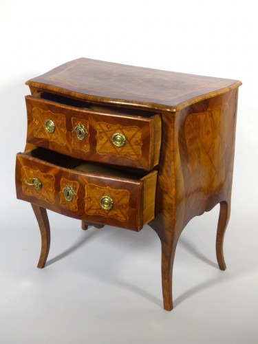 Furniture  - Small commode