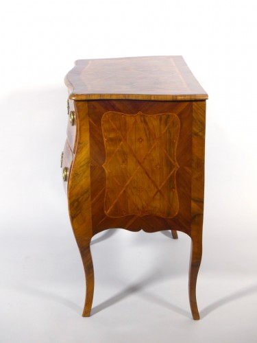 Small commode -