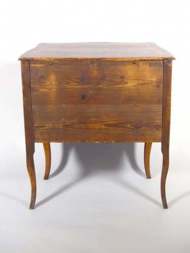 18th century - Small commode