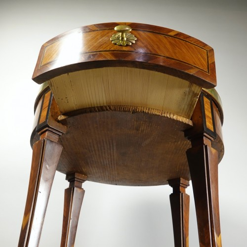 Antiquités - Round table probably made in Strasbourg circa 1780