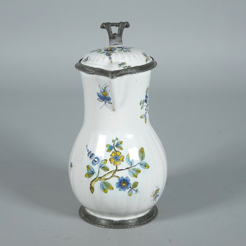 Picher in faïence of Strasbourg - Porcelain & Faience Style