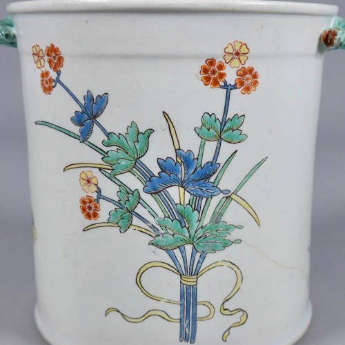 Cooling bucket in soft paste porcelain of Chantilly -