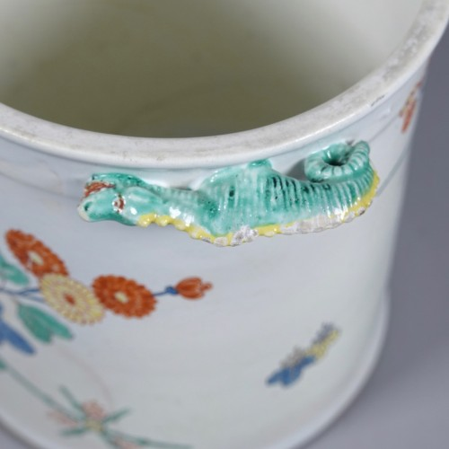 - Cooling bucket in soft paste porcelain of Chantilly