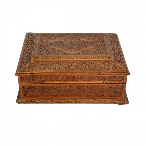 Small chest in cherry wood