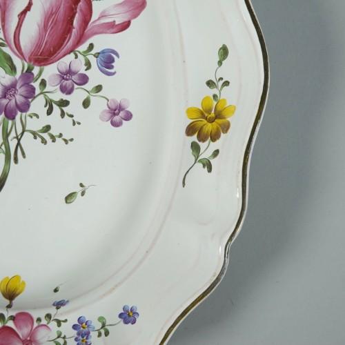 Porcelain & Faience  - Strasbourg faience platter, Joseph Hannong 18th