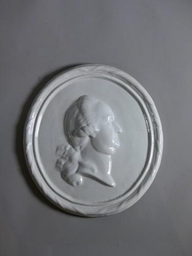 18th century - Faience medallion-portrait, Mosbach circa 1775