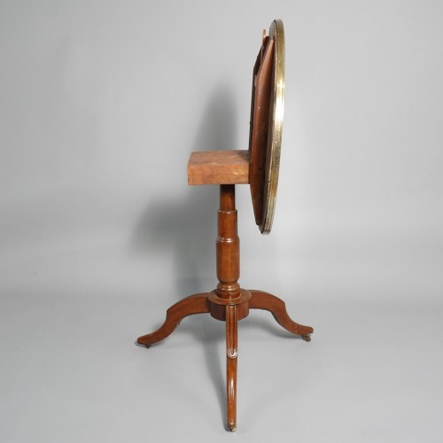Antiquités - Pedestal table