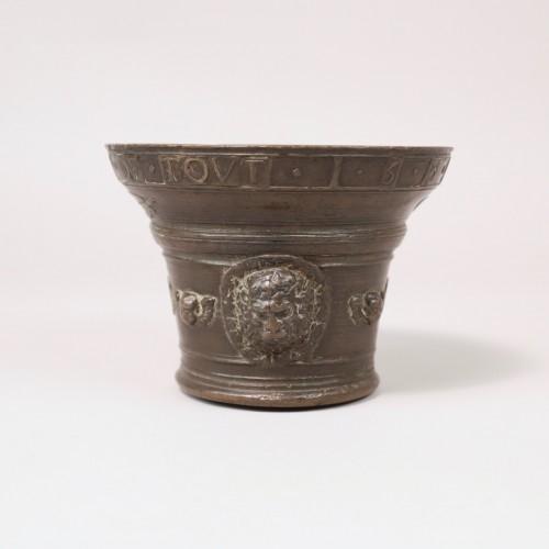 Bronze mortar - 1581 -