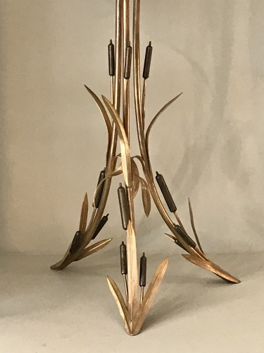 Antiquités - Pedestal table with reed decor