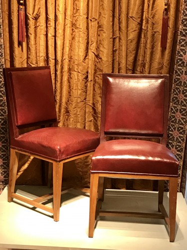 Four leather chairs - Seating Style 50