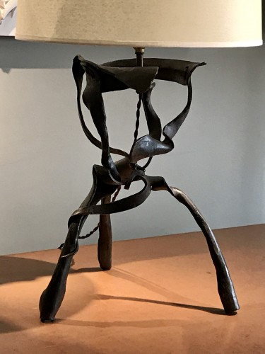 Sculpture lamp in wrought iron -