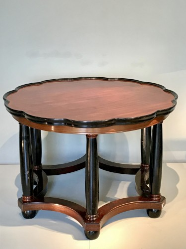 20th century - Living room table with column legs