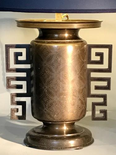 Pair of vases mounted in lamp -