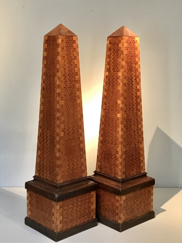 Decorative Objects  - Pair of obelisks