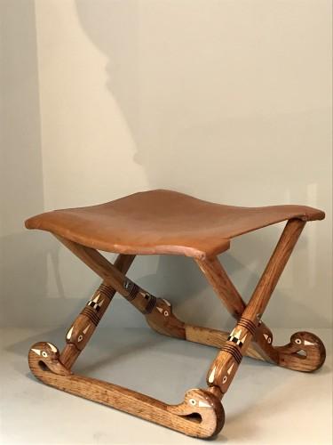 Neo-egyptian stool. - Seating Style Art nouveau