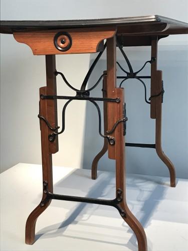Furniture  - Table à mécanisme.