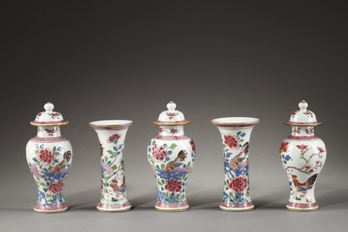 "Garniture vases ""famille rose"" -Qianlong 1736 1795 - Asian Art & Antiques Style"
