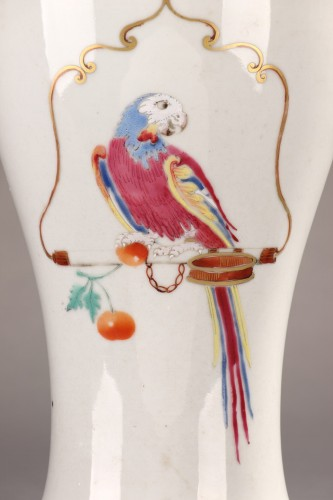 Asian Art & Antiques  - Famille rose chinese porcelain vase with parrots. 18th century.