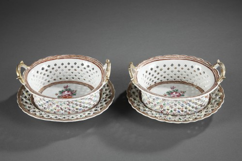 "Pair of Baskets and stands Chinese Export ""Famille rose"" porcelain - 18th - Asian Art & Antiques Style"