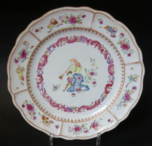 Asian Art & Antiques  - 18th century Chinese export dish