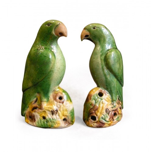 Pair of parrots biscuit Famille Verte - Kangxi