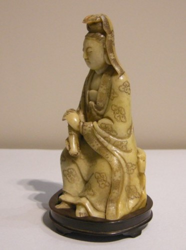 Small figure Guanyin in soapstone - 18th century - Asian Art & Antiques Style