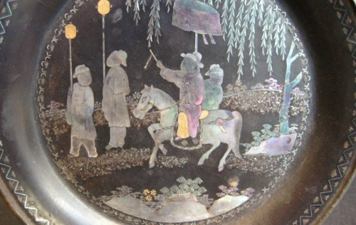 """Small Chinese tray circular in """"lac burgauté""""  17th century - Asian Art & Antiques Style"""