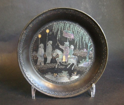 """Small Chinese tray circular in """"lac burgauté""""  17th century -"""