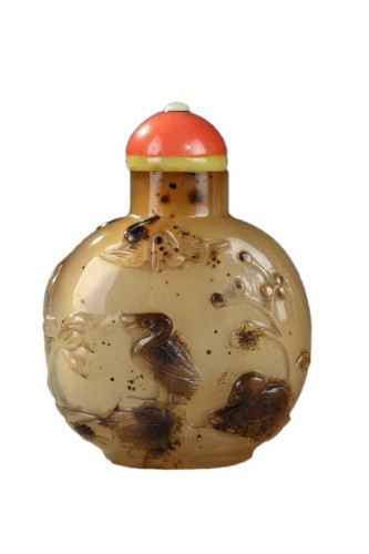 Agate snuff bottle sculpted 1740/1850