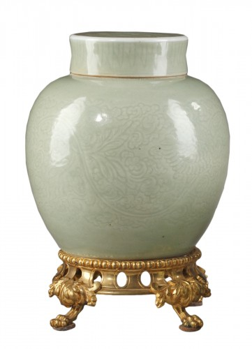 Vase and cover Celadon enamel 1720/1750