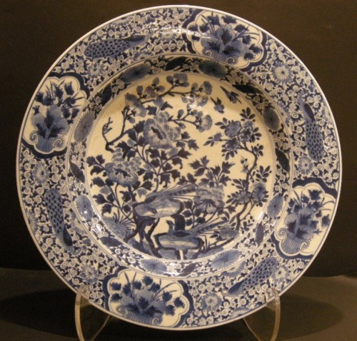 "Large dish ""blue and white porcelain""  - 1710/1720 - Asian Art & Antiques Style"