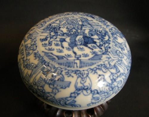 Asian Art & Antiques  - Box porcelain blue and white   - Kangxi period 1662/1722
