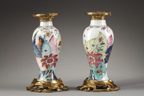 Pair vases porcelain tobacco leaf - Qianlong period 1736 1795 - Asian Art & Antiques Style