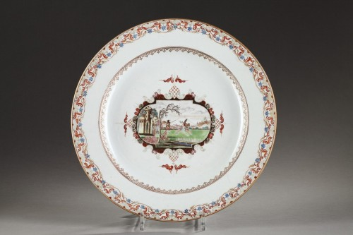 Grand plat en porcelaine Chine de commande - vers 1750 - Arts d