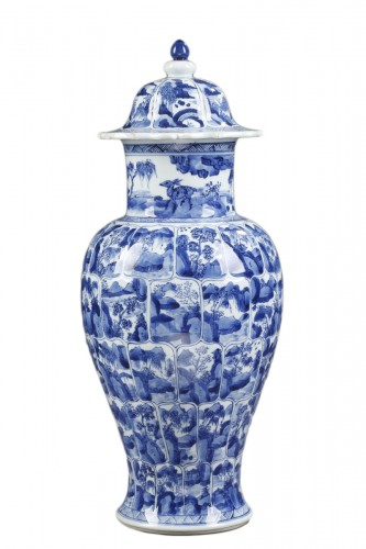 "Porcelain vase ""Blue and White ""  Kangxi period 1662/1722"
