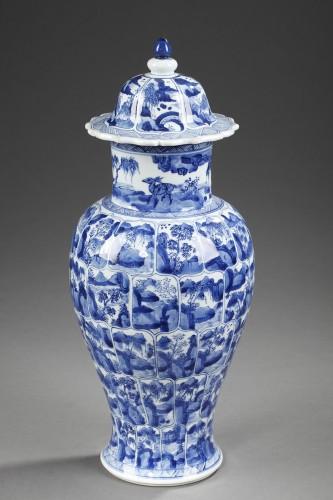 "Porcelain vase ""Blue and White ""  Kangxi period 1662/1722 - Asian Art & Antiques Style"