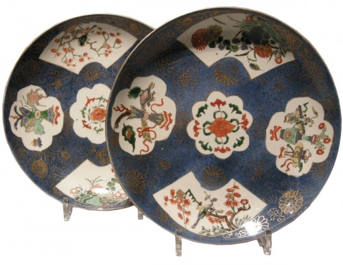 "Pair of dish ""Famille verte "" on bleu poudré ground -Kangxi 1662/1722"