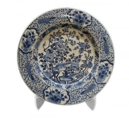 Large dish blue and white - Kangxi period 1662/1722
