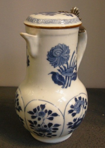 "Porcelain ewer ""Blue and White ""  Kangxi period 1662/1722 -"