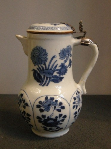 "18th century - Porcelain ewer ""Blue and White ""  Kangxi period 1662/1722"